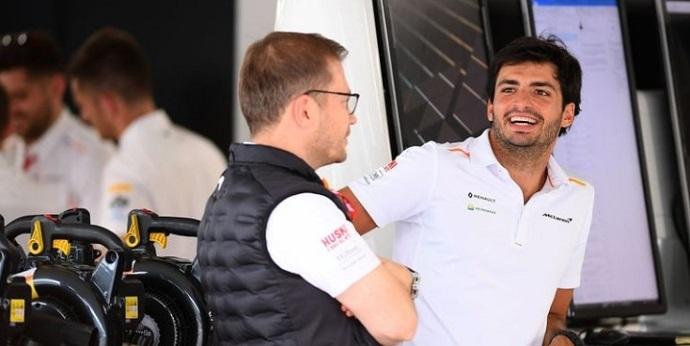 """Zak Brown: """"Si el coche es rápido, Carlos ganará carreras con Ferrari"""""""