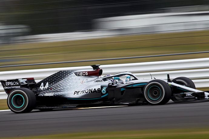 Hamilton vuelve a rodar después de 103 días