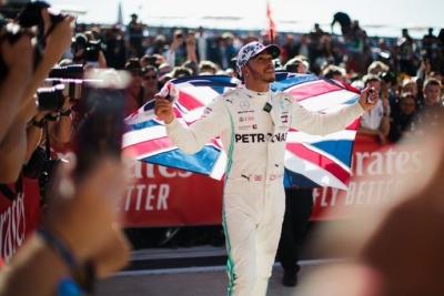 Hamilton replica las declaraciones de Ecclestone