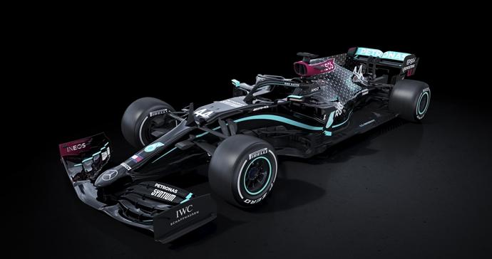 Mercedes cambia el color de su W11 para luchar contra el racismo