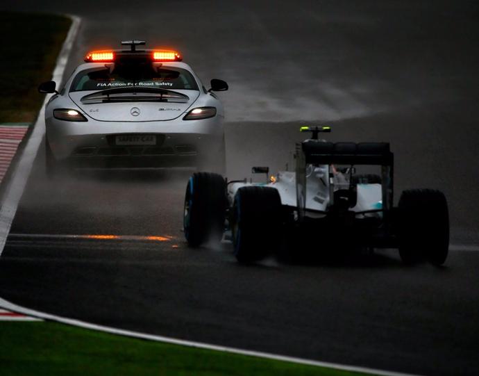 Mercedes explica las razones por las que vetaron la introducción de las carreras con parrilla invertida