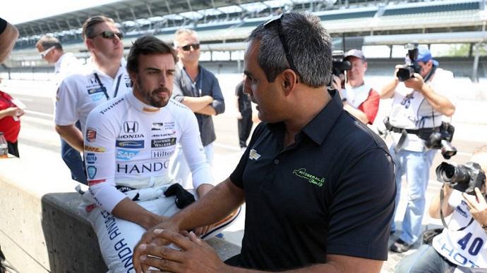 Montoya no ve a Alonso en Renault