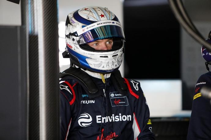 Nick Cassidy firma por Virgin Racing