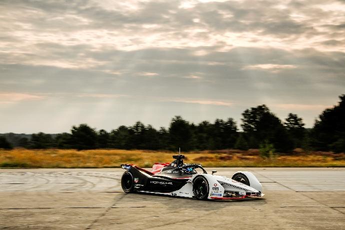 Pascal Wehrlein completa la primera prueba con el equipo TAG Heuer Porsche de Fórmula E