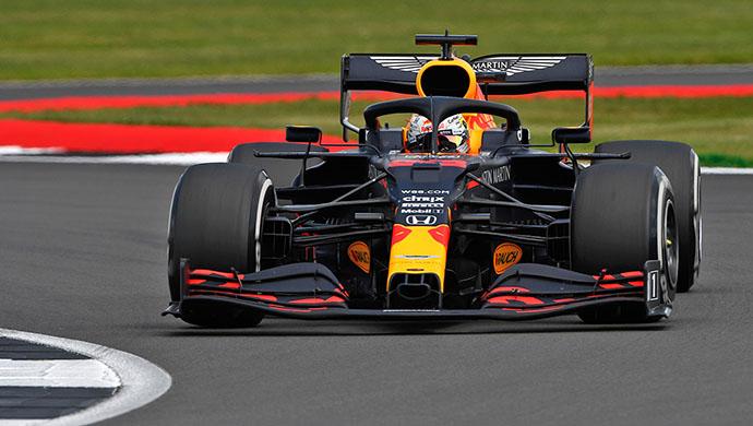 Domingo en Gran Bretaña – Red Bull da cátedra de estrategia y se lleva el triunfo