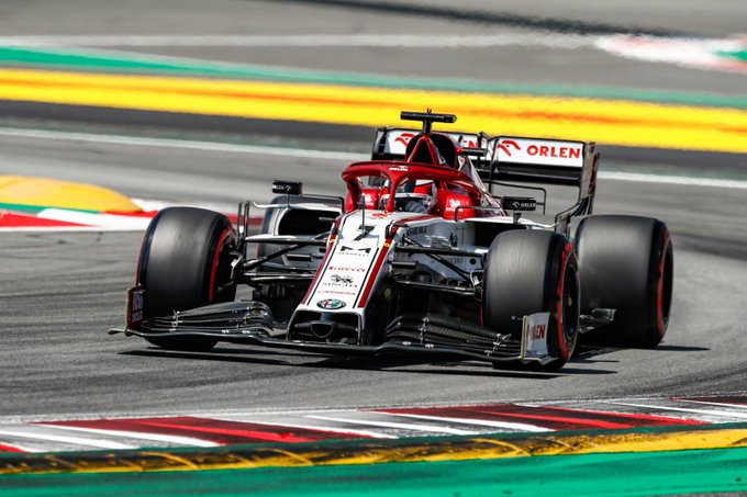 Sábado en España Alfa Romeo consigue entrar en Q2 gracias a Kimi