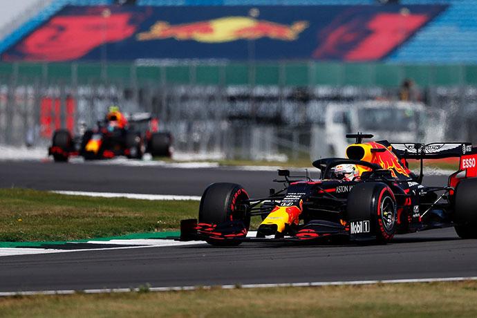 Sábado en Gran Bretaña - Red Bull mete a sus dos pilotos en el top ten
