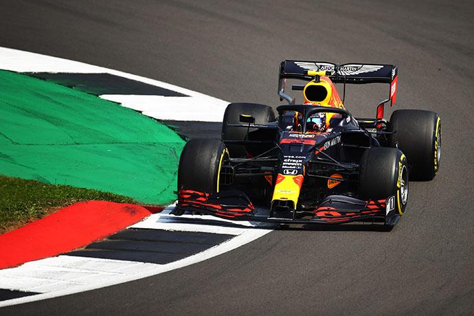 Domingo en Gran Bretaña - Red Bull da cátedra de estrategia y se lleva el triunfo