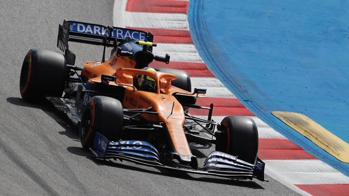 Viernes en España - McLaren: Sainz muestra esperanzas; Norris se encuentra en la sombra