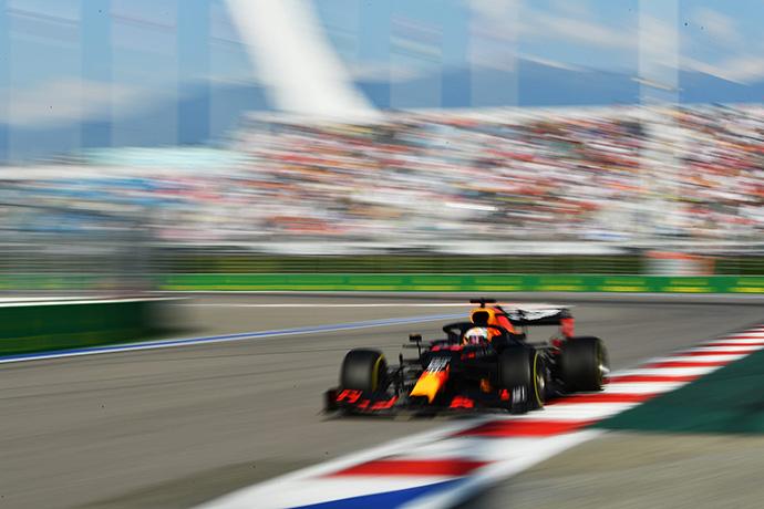 Domingo en Rusia – Red Bull: Verstappen vuelve al podium con un segundo puesto