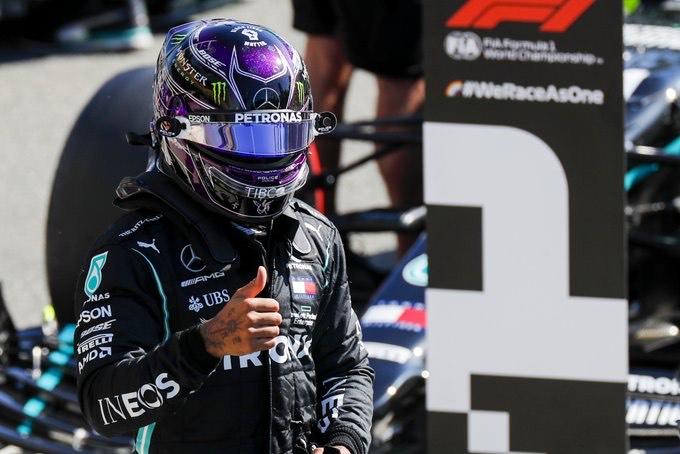 Clasificación en Italia: Hamilton en la pole y Sainz superlativo