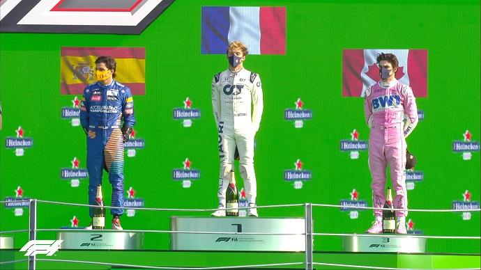 Domingo en Italia - McLaren: Sainz se queda a cuatro décimas de ganar la carrera, el segundo puesto sabe a poco