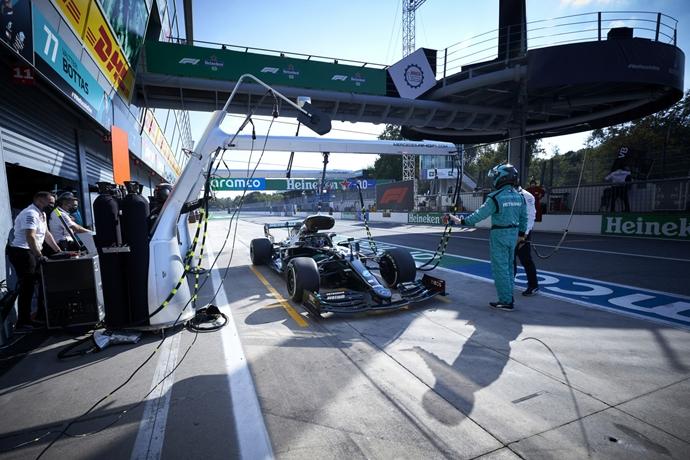 Domingo en Italia - Mercedes fuera de la fiesta del podio