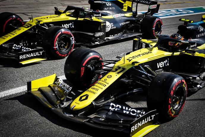 Domingo en Italia - Renault solo consigue ser sexto y octavo ante una carrera repleta de locura