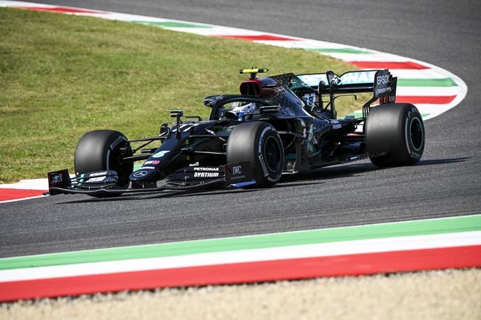 Viernes en La Toscana – Mercedes: nuevo circuito, el trabajo usual