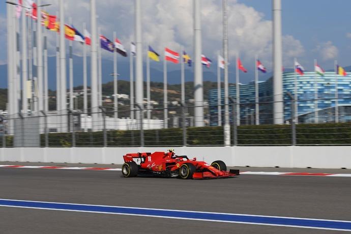 Viernes en Rusia – Ferrari: otro inicio complicado con pequeñas mejoras