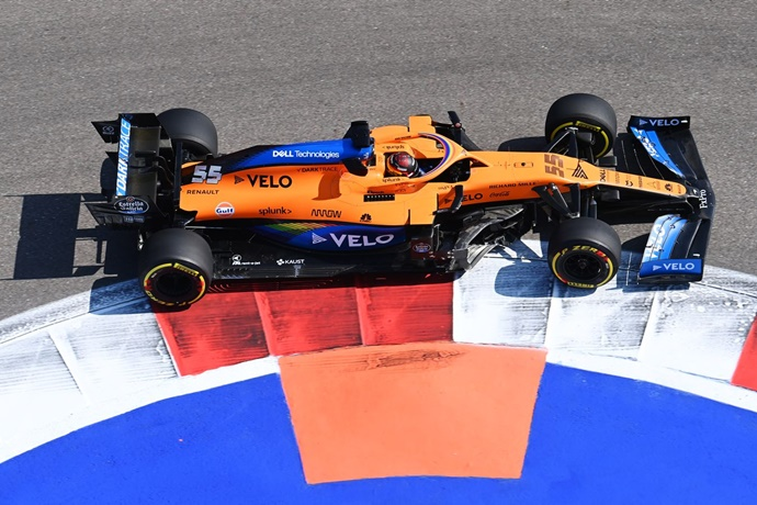 Viernes en Rusia – McLaren: aerodinámicamente mejorado