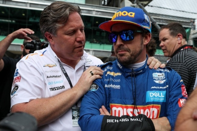Zak Brown sabe de la gran ventaja que tendrá Alpine con Alonso