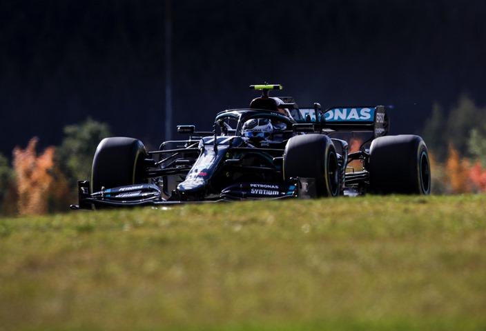Clasificación en Eifel: Valtteri Bottas le roba la Pole Position a Hamilton