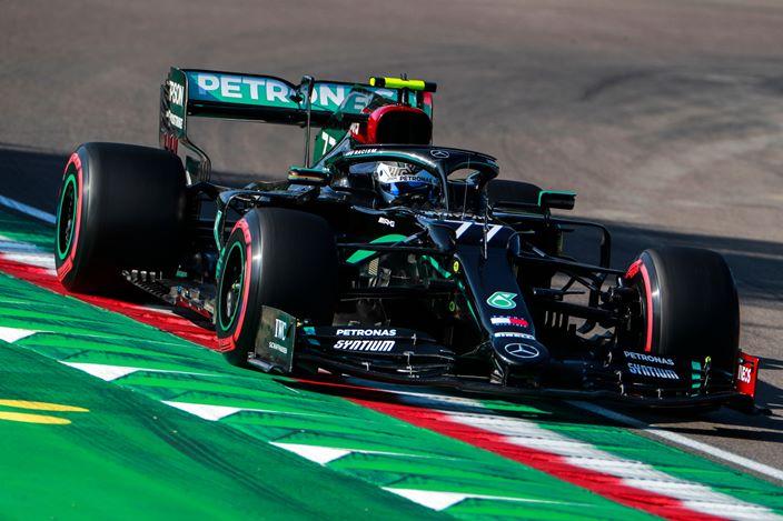 Clasificación en Emilia-Romaña: Bottas le roba la pole a Hamilton por 97 milésimas