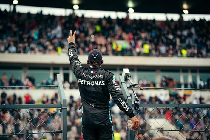 Domingo en Portugal - Mercedes le da la victoria 92 a Hamilton