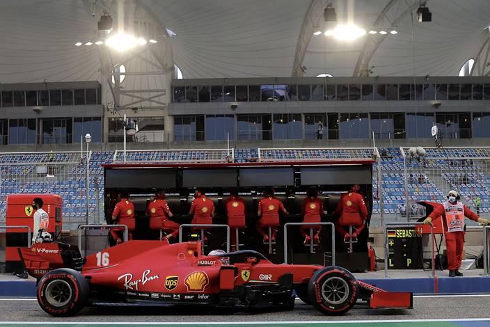 Domingo en Baréin – Ferrari: Leclerc rescata un punto