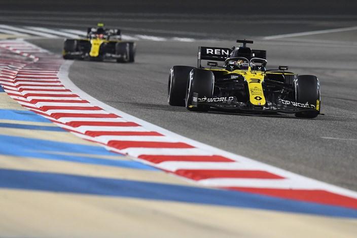 Domingo en Baréin – Renault logra puntos tras una carrera difícil