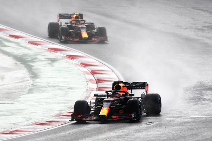 Domingo en Turquía - Red Bull, lejos del podio debido a la lluvia