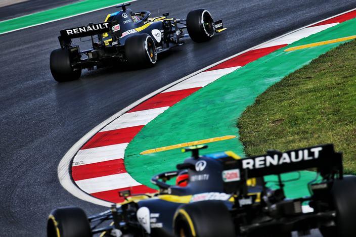 Viernes en Turquía - Renault muestra sensaciones tan frías como el asfalto