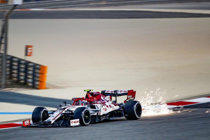 """Viernes en Sakhir – Alfa Romeo: """"No es un mal comienzo del fin de semana"""""""