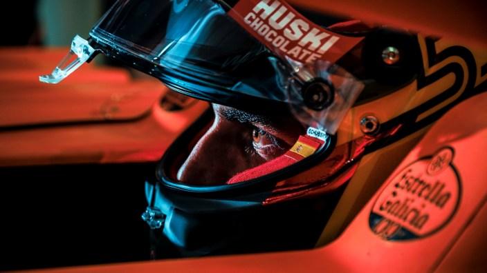 Sainz no podrá subirse al Ferrari en los test de final de temporada en Abu Dabi