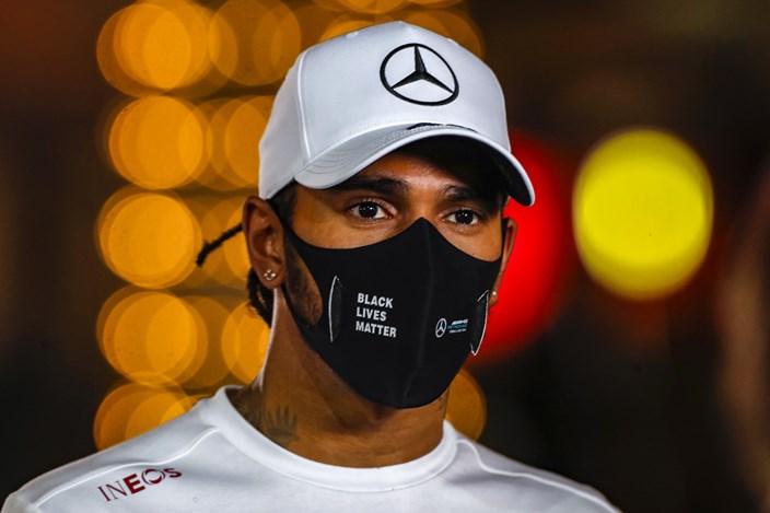 Hamilton vuelve a Mercedes en Abu Dabi; Russell regresa a Williams