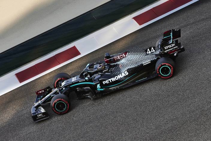 Sábado en Abu Dabi - Mercedes pierde la pole a manos de Red Bull