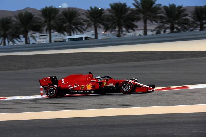 Viernes en Sakhir – Ferrari: muchos problemas con el nuevo trazado