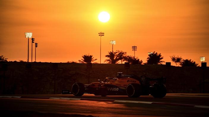 Viernes en Sakhir – McLaren, con problemas mecánicos y lejos de los de arriba