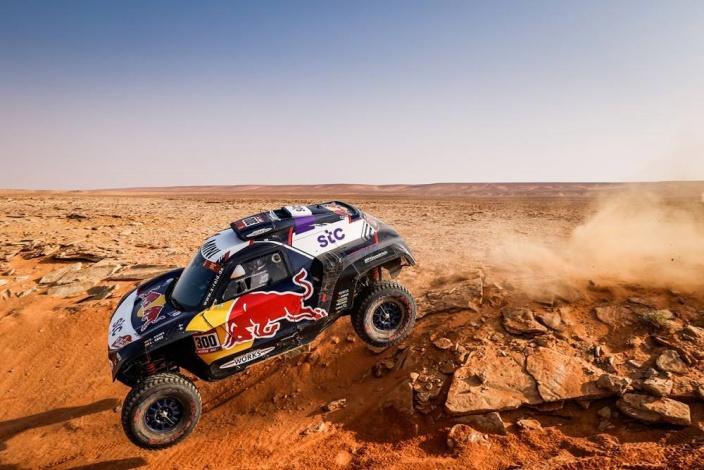 Dakar 2021 – Etapa 8: Al-Attiyah se impone por delante de Sainz y Peterhansel