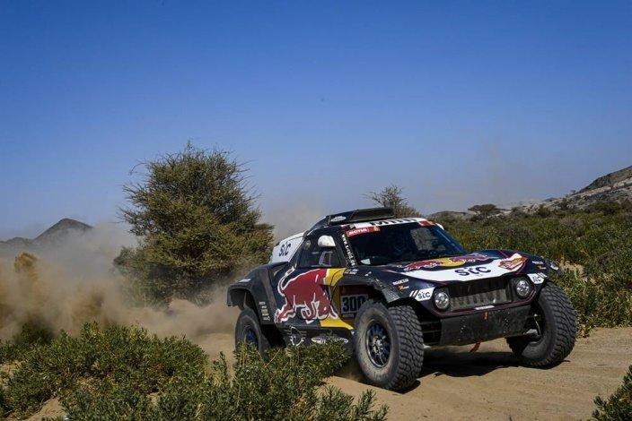Dakar 2021 – Etapa 1: Sainz y Cruz empiezan marcando terreno