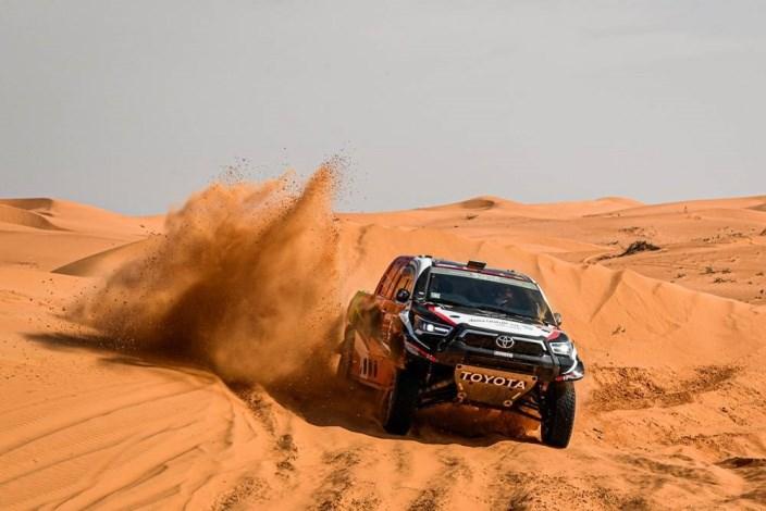 Dakar 2021 – Etapa 7: Al-Rajhi le arrebata la victoria a Peterhansel en los últimos km, Sainz resiste