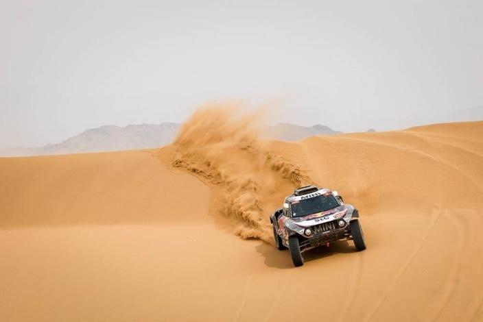 Peterhansel es todavía más 'Monsieur Dakar' al conquistar su 14º Dakar