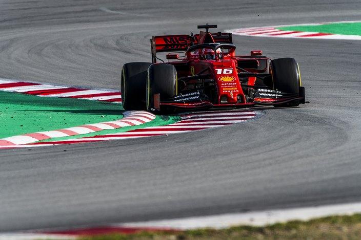 Charles Leclerc inaugura las pruebas de Pirelli con Ferrari en Jerez