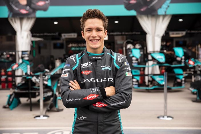 E-Briefs: Jaguar anuncia a Sacha Fenestraz como piloto reserva