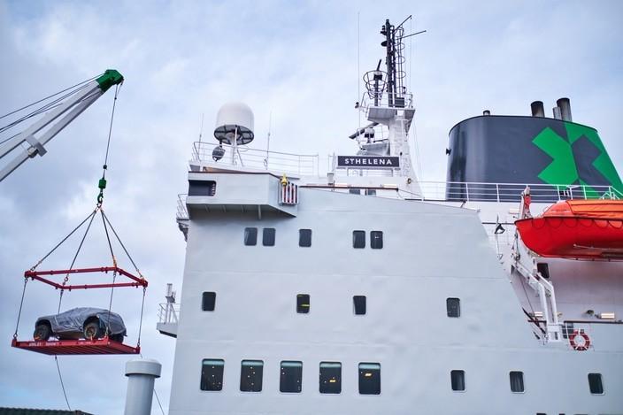 El barco de la Extreme E se prepara para zarpar rumbo a la carrera inaugural