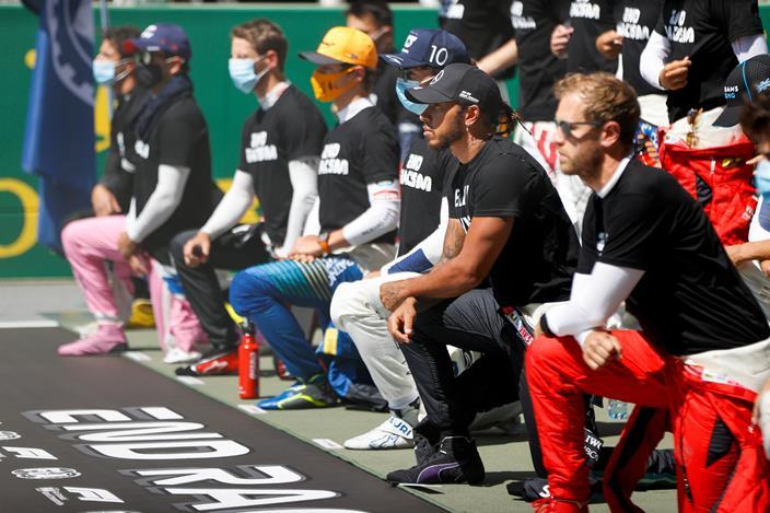 """Los pilotos de F1 """"serán libres"""" de arrodillarse antes de cada carrera"""