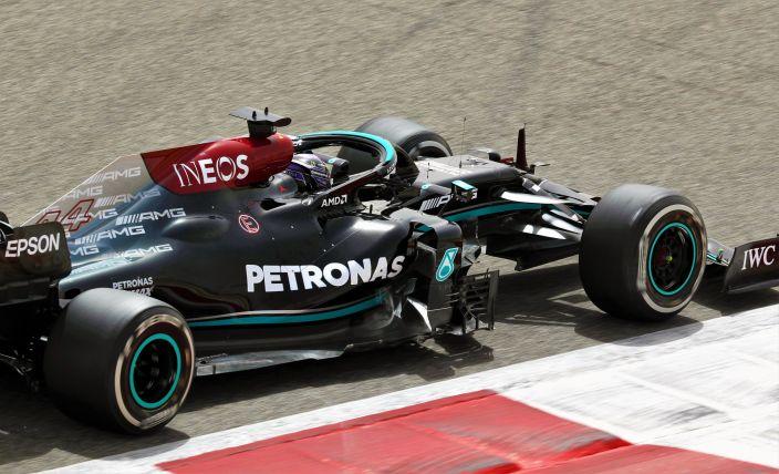 Mercedes admite ser más lento que Red Bull