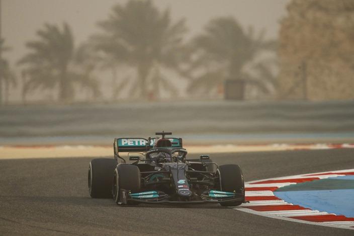 Test F1 2021: Día 1 – Mercedes: poco, muy poco