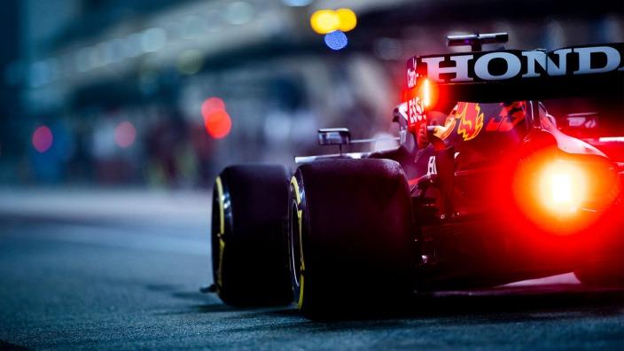"Verstappen, sobre Mercedes: ""Tratan de empujarnos al papel de favoritos"""