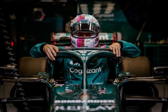 Vettel admite la dificultad de adaptarse al Aston Martin