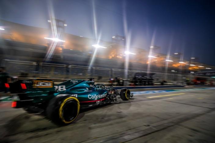 Viernes en Baréin - Aston Martin se hace un hueco en la zona media