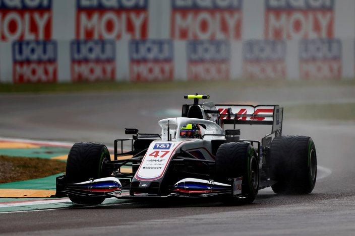 Domingo en Emilia Romaña – Haas consigue acabar la carrera con ambos coches, pero siendo los últimos