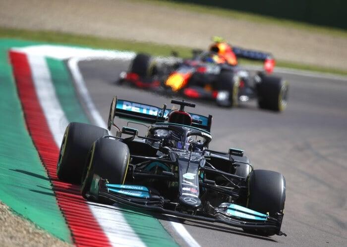 Hamilton demuestra que sigue siendo el rey y se lleva la pole en Imola